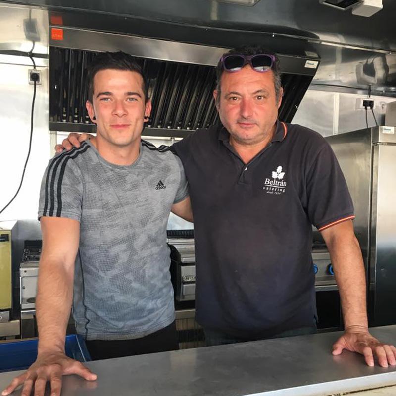 Carlos de Masterchef con Beltran Catering