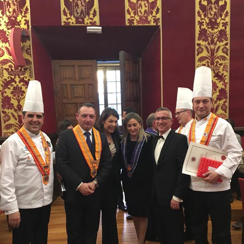 Alfonso Beltrán miembro cofrade de Toledo de la Chaîne des Rotisseurs Asociación Gastronómica Mundial Francesa